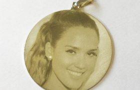 medalla-foto-joyeria-marcado-laser